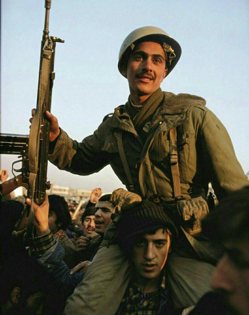 پیوستن ارتش به مردم در انقلاب